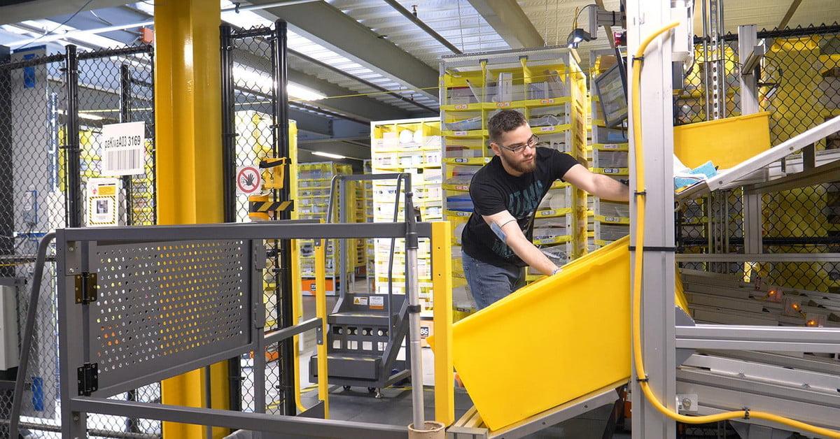 Amazon laisse son personnel d'entrepôt jouer à des jeux vidéo pendant qu'il travaille