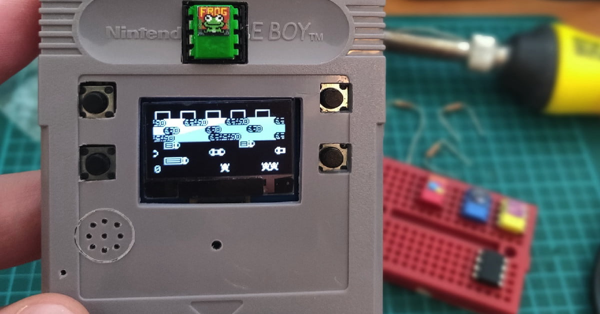 Ce type a mis une console de jeu entière dans une cartouche de Game Boy.