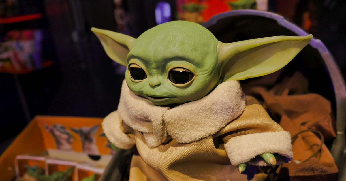 Le bébé Yoda animatronique de Hasbro est absolument adorable.
